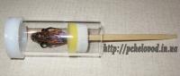 Трубка с поршнем для мечения маток